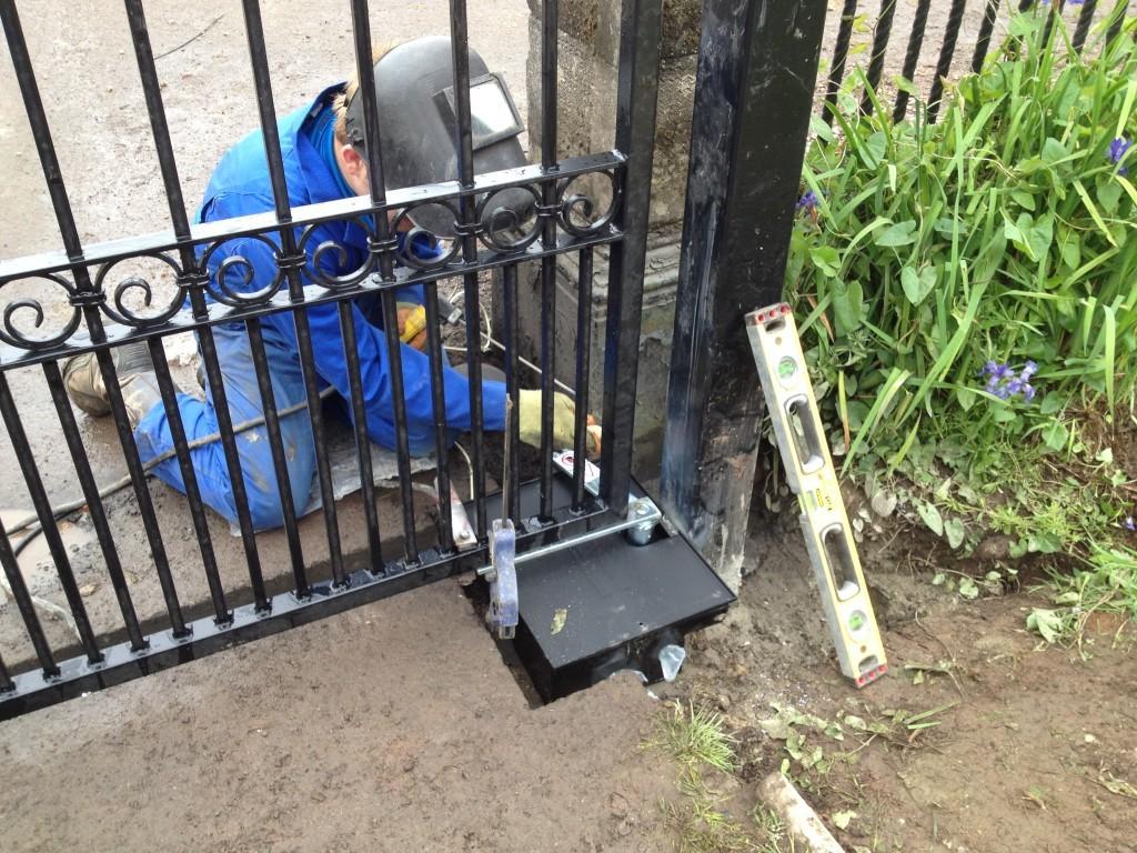 Palm Beach Fence Pros Installation & Replacement - Vinyl Fences, Wood Fences, Aluminum Fences, PVC Pergola, Repairs & Replacement, Gates- 9