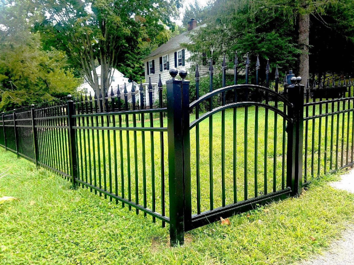 Aluminum Fences-Palm Beach Fence Pros Installation & Replacement-We do Residential & Commercial Fence Installation, Fencing Repairs and Replacements, Fence Designs, Gate Installations, Pool Fencing, Balcony Railings, Privacy Fences, PVC Fences, Wood Pergola, Aluminum and Chain link, and more