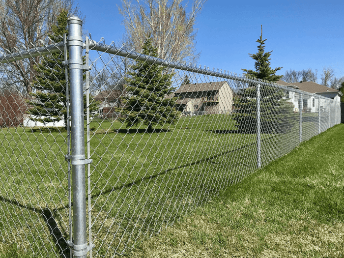Chain Link Fences-Palm Beach Fence Pros Installation & Replacement-We do Residential & Commercial Fence Installation, Fencing Repairs and Replacements, Fence Designs, Gate Installations, Pool Fencing, Balcony Railings, Privacy Fences, PVC Fences, Wood Pergola, Aluminum and Chain link, and more