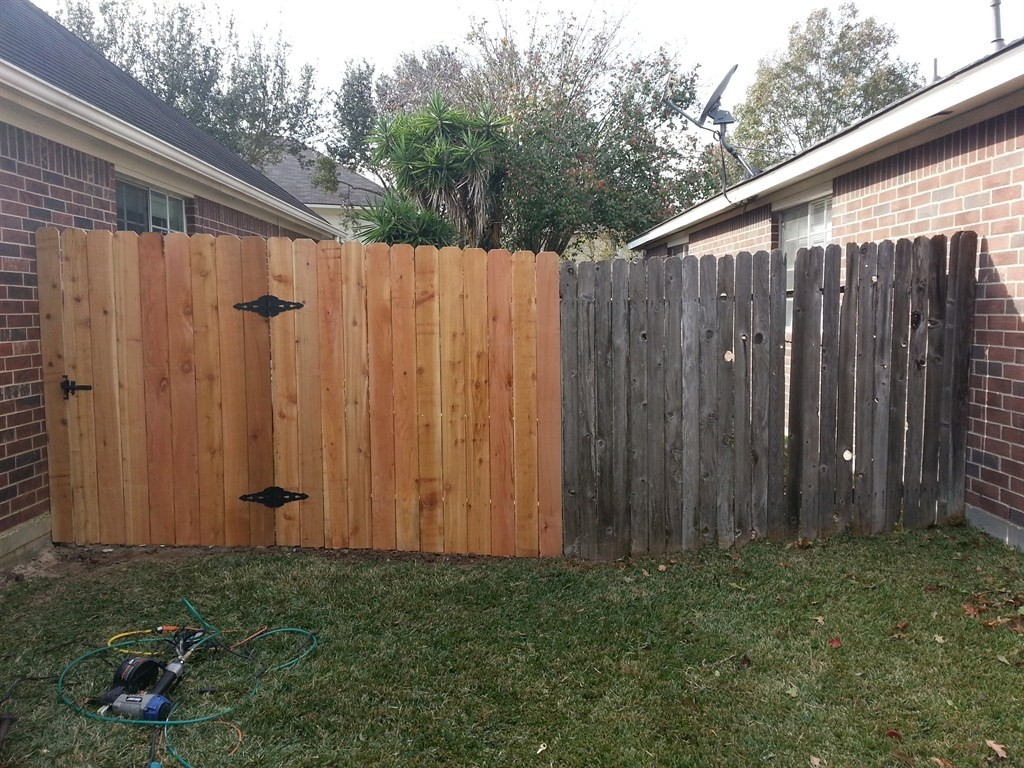 Fence Repair-Palm Beach Fence Pros Installation & Replacement-We do Residential & Commercial Fence Installation, Fencing Repairs and Replacements, Fence Designs, Gate Installations, Pool Fencing, Balcony Railings, Privacy Fences, PVC Fences, Wood Pergola, Aluminum and Chain link, and more