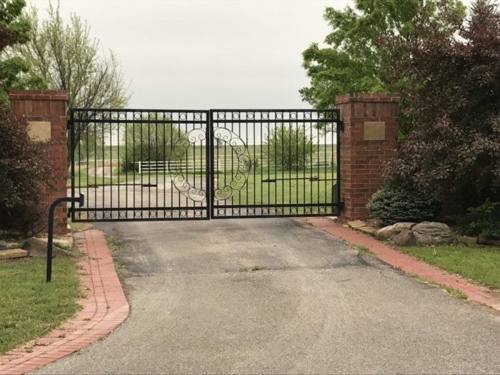 Gate Replacement-Palm Beach Fence Pros Installation & Replacement-We do Residential & Commercial Fence Installation, Fencing Repairs and Replacements, Fence Designs, Gate Installations, Pool Fencing, Balcony Railings, Privacy Fences, PVC Fences, Wood Pergola, Aluminum and Chain link, and more