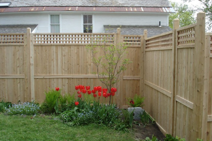 Privacy Fences-Palm Beach Fence Pros Installation & Replacement-We do Residential & Commercial Fence Installation, Fencing Repairs and Replacements, Fence Designs, Gate Installations, Pool Fencing, Balcony Railings, Privacy Fences, PVC Fences, Wood Pergola, Aluminum and Chain link, and more