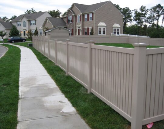 Vinyl Fences-Palm Beach Fence Pros Installation & Replacement-We do Residential & Commercial Fence Installation, Fencing Repairs and Replacements, Fence Designs, Gate Installations, Pool Fencing, Balcony Railings, Privacy Fences, PVC Fences, Wood Pergola, Aluminum and Chain link, and more